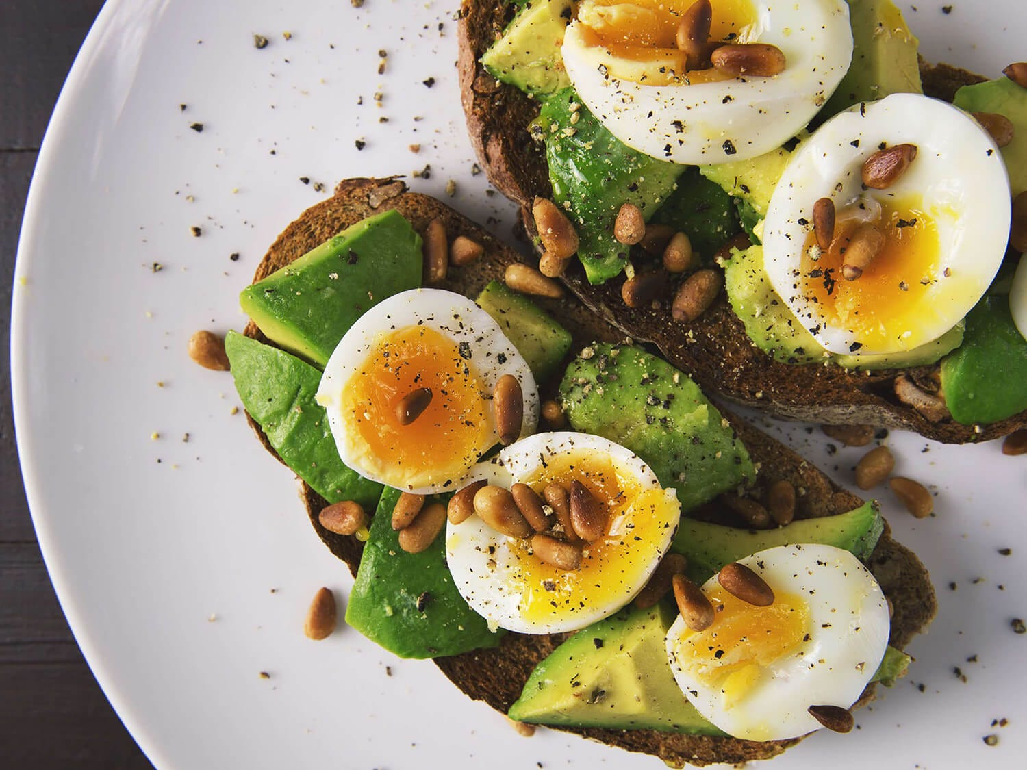 10 WAYS TO MAKE YOUR AVOCADO TOAST MORE EXCITING